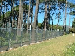 Kerítés szinteltolással